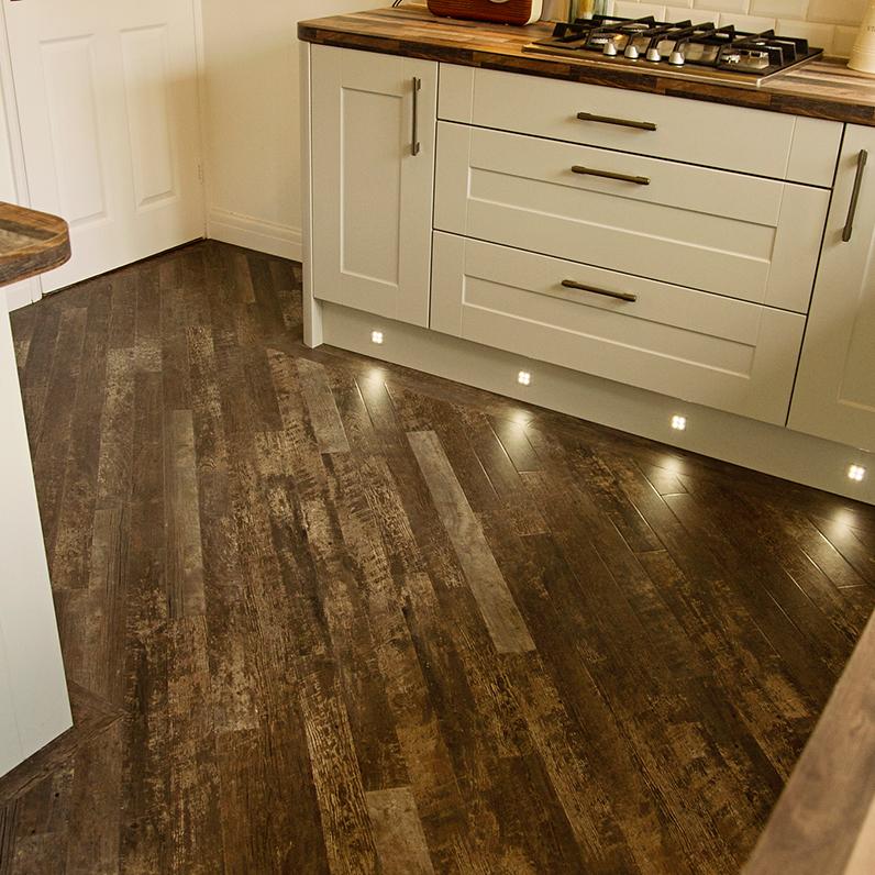 Kitchen Flooring Luxury Vinyl Tiles With A Border Efail Isaf