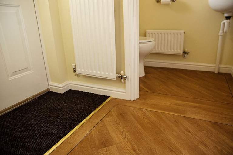 Amtico Spacia In Hall Amp Bathroom Inlays Amp Diagonal Laying